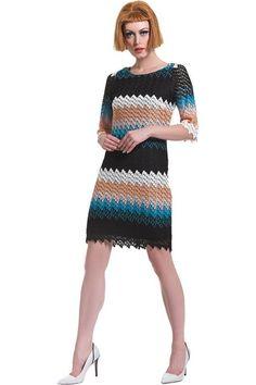de583fb2376e Φόρεμα πλεκτό ζικ-ζακ μέχρι το γόνατο σε ριχτή γραμμή με ανοιχτή λαιμόκοψη  και 3