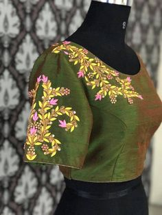 Lovely green color raw silk designer blouse with stunning floret lata design hand embroidery thread work on yoke. Blouse Back Neck Designs, Saree Blouse Designs, Embroidery Fashion, Embroidery Thread, Stylish Blouse Design, Designer Blouse Patterns, Work Blouse, Thread Work, Clothes For Women