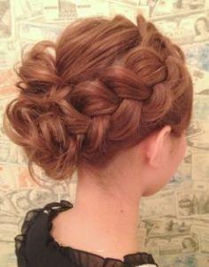 結婚式やパーティーで使える♡かわいいヘアセット|MERY [メリー]