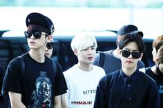 Baekyeol, Chanbaek, Exo Wallpaper Hd, Exo K, Pilot, Mens Sunglasses, Albums, Friends, Photos