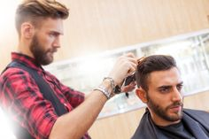 Here are some pet peeves and barber etiquette tips that your barber wish you knew. Art Of Manliness, Barber, Hair Cuts, Pet Peeves, How To Get, Couple Photos, Etiquette, Guy, Fictional Characters