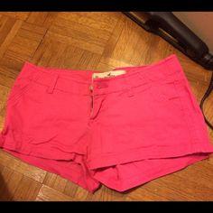 HOLLISTER short shorts HOT PINK sz00 w23 Only worn a couple times, just like new! HOT pink short shorts from Hollister. Size 00 waist 23. Make me an offer ✌️❤️ Hollister Shorts