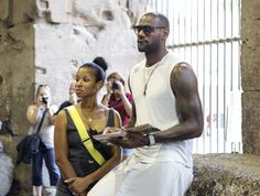 Celebrity Couples: Height Differences Are Measurable - LeBron James and Savannah Brinson: and Lebron James And Wife, Lebron James Family, Famous Couples, Famous Celebrity Couples, Soccer Stars, Black Couples, Famous Celebrities, King James, African Beauty