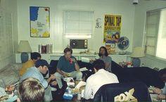 Cuarto de los escritores de Los Simpson. Año 1992.