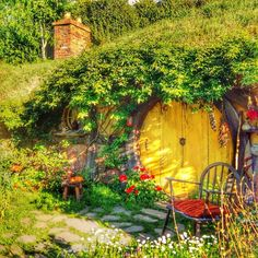 ⌂ Hobbit Homes ⌂ Guess what? Another hobbit hole!