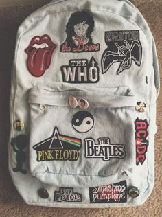 Reminds me of my school back pack. Soooo many patches and buttons too. :):