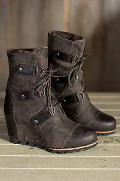 Joan of Arctic is a lightly distressed and burnished leather ankle boot built on a comfortable wedge platform for an urban style. Free shipping + returns.