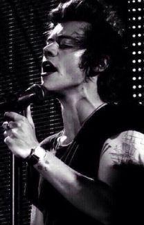 Harry Styles 2013, Harry Styles Baby, Harry Styles Pictures, One Direction Pictures, Harry Styles Style, Another Man Harry Styles, Harry Styles Dimples, Harry Styles Crying, Fanfic Harry Styles