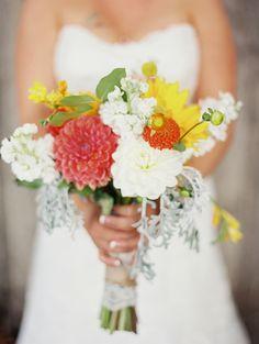 summery wedding bouquet