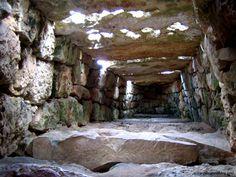 Naveta des Tudons, Menorca, Illes Balears, 1100-750 a. de C.