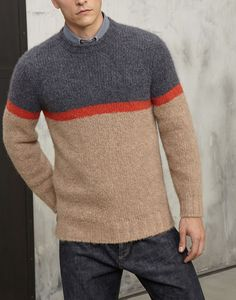 Men's sweaters and cardigans in linen, cotton and cashmere yarn. Gents Sweater, Sweater Jacket, Mens Fashion Sweaters, Sleeve Styles, Knitwear, Knitting Designs, Menswear, Pullover, Trending Outfits