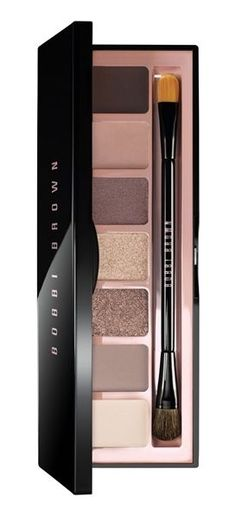 This Bobbi Brown eye palette includes so many gorgeous colors for endless looks. / @nordstrom #nordstrom