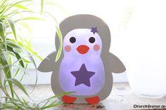 Pinguin Laterne Bastelanleitung mit Bastelvorlage ♥ von kerstinbremer.de. So cute! Penguin lantern ♥ #diy #basteln