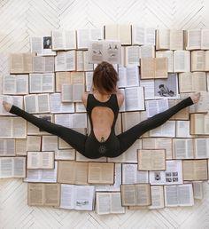 >>> Yoga Beginners, Beginner Yoga, Yoga Inspiration, Yoga Kunst, Beautiful Yoga Poses, Yoga Movement, Yoga Posen, Yoga Photos, Yoga Pics