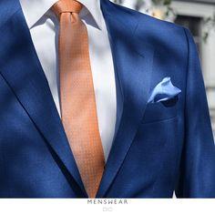 Sommer er en fin tid til å friske opp garderoben. Nye slips er på plass i butikken, og vi hjelper deg gjerne med å finne tilbehøret som passer perfekt til deg!  http://menswear.no/tilbehor/slips #menswear_no #menswear #dress #oslo #tjuvholmen #lysaker #bogstadveien #hegdehaugsveien #dress #jobb#fest #viero #vieromilano #suit #suitup #slips #viero