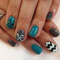 love ♡ @Sarah Chintomby Chintomby Chintomby Brockley @Amanda Snelson Snelson Snelson Brockley ... one of you needs to do this to my nails. just sayin.
