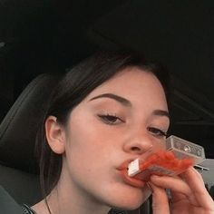 Find images and videos about girl and aesthetic on We Heart It - the app to get lost in what you love. Aesthetic Photo, Aesthetic Girl, Black Hair Aesthetic, Photography Aesthetic, Aesthetic Grunge, Aesthetic Vintage, Aesthetic Anime, Aesthetic Clothes, Pretty People
