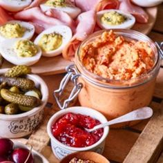 Aleppo pepper, a mild and fruity chile, is unusual yet a good fit for pimiento cheese in this easy twist on the classic Southern cheese dip. Ancho chile or even hot sauce works as well. Cheese Dip Recipes, Appetizer Recipes, Snack Recipes, Snacks, Wine Party Appetizers, Pimiento Cheese, Spiced Pecans, Recipe Directions, Cooking Light