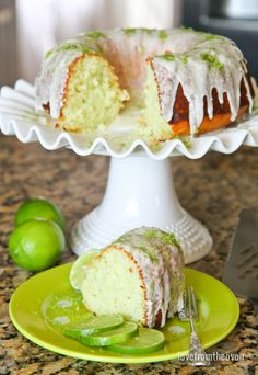 This delicious and easy lime cake can be whipped up in no time. A fantastic spring or summer dessert that everyone will love. Lime Desserts, Delicious Desserts, Green Desserts, Awesome Desserts, Lime Bundt Cake Recipe, Easy Cake Recipes, Dessert Recipes, Baking Desserts, Free Recipes