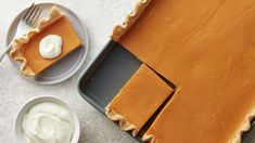 How to Make Sweet Potato Slab Pie with Marshmallow Whipped Topping Video Perfect Apple Pie, Perfect Pumpkin Pie, Thanksgiving Desserts, Holiday Desserts, Pie Recipes, Dessert Recipes, Pastries Recipes, Kraft Recipes, Casserole Recipes