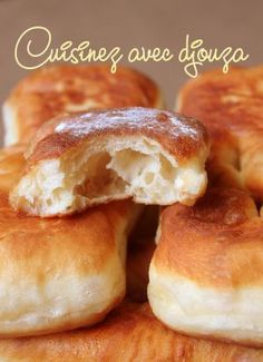 Beignets au yaourt faciles et légers Donut Recipes, Gourmet Recipes, Churros, Donuts, Calories In Vegetables, Desserts With Biscuits, Bread And Pastries, Healthy Fruits, Pop Tarts
