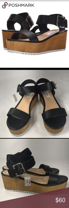 Steve Madden platform sandals I just bought these off of Poshmark, and they didn't fit! Size nine, and so so cute! They said brand new when I bought them, and they were. They were the shoes I had been searching for! Take them off of my hands(: Steve Madden Shoes Platforms
