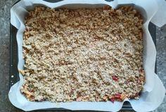 Jablkový koláč s ovsenými vločkami, recept, Koláče   Tortyodmamy.sk Krispie Treats, Rice Krispies, Bread, Desserts, Food, Tailgate Desserts, Deserts, Brot, Essen