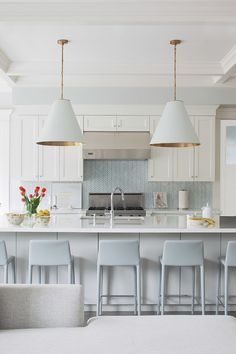 white kitchen, white & gold pendants