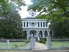Eufaula, Alabama which is packed full of these old great southern mansion!