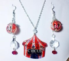 """Mi piace"": 51, commenti: 1 - essewaydream creation (@essewaydream) su Instagram: ""Circus parure #jewelry #essewaydream #resinpendant #resina #resin #uvresin #circus #circustent…"""