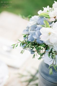 Blue and white florals for a soft and feminine centerpiece without being girly | photography by @whiteivory  http://www.whiteivoryphotography.com