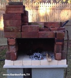 DIY wood fired pizza oven plans and video. Learn how to build a simple portable brick pizza oven that you can take apart when you're done baking pizzas. I love this because its not this huge permanent backyard oven. Assembles in 20 minutes, ready to bake in an hour. Video and plans on our site: http://www.gardenfork.tv/simple-pizza-oven-plans-make-pizza-videos