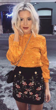 #fall #outfits women's black floral print mini skirt
