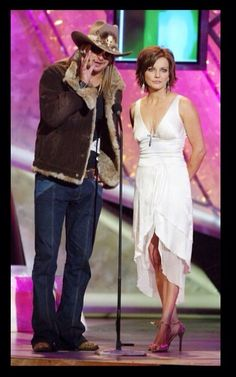 Kid Rock and Martina McBride speak on stage at the Annual Country Music Awards' on May 2004 at the Mandalay Bay Hotel and Casino, in Las Vegas, Nevada. (May 2004 - Source: Kevin Winter/Getty Images Entertainment) Country Music Awards, Country Music Singers, Patrick Monahan, Mandalay Bay Hotel, Kid Rock Picture, Martina Mcbride, Blake Shelton, Music People, Paul Mccartney