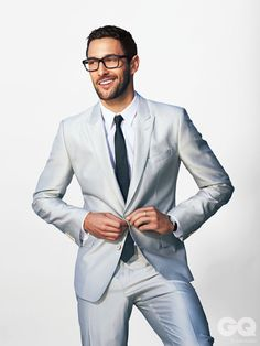 Pale suits — Noah Mills by John Russo for GQ Style Mexico. Gq Style, Sharp Dressed Man, Well Dressed Men, Modern Gentleman, Gentleman Style, Stylish Men, Men Casual, Dolce And Gabbana Suits, Noah Mills