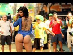 Lượng người xem: 2264 đánh giá chất lượng: 3.33. Được đăng tải ngày: 2014-06-21 10:37:16  Bản quyền video thuộc Youtube.com  Bạn đang xem Fan nữ ngực khủng show hàng cùng Neymar  World cup 2014 Brazil tại website XemTet.com nội dung video: