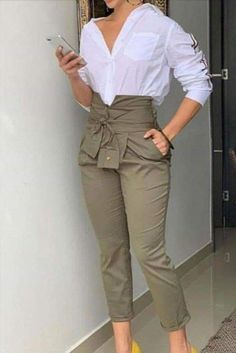 Stunning Work Outfits Style Ideas For Spring « letterformat. Classy Dress, Classy Outfits, Stylish Outfits, Beautiful Outfits, Fashion Pants, Look Fashion, Fashion Dresses, Spring Fashion, Winter Fashion
