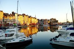 Anne va en Bretagne - An Easy French Story - Part 1 - Learn French
