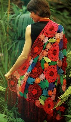 A super stunning floral crochet shawl by VintageVibesPatterns on Etsy.