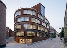 Nya Arkitekturskolan, KTH. Belönades med Kasper Salin-priset 2015. Tham & Videgård Arkitekter. Foto: Magnus Östh. Schücoprodukter bland annat fasad FW 50+ SG, FWS 50.SI och fönster AWS 114 SG levererade via Schüco Partner Fasadglas.