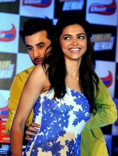 Ranbir Kapoor and Deepika Padukone.. see her lovely smile...
