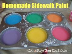 With just a few items that are probably tucked in the back of your pantry, you can make homemade sidewalk paint and let the kids paint masterpieces on your sidewalks or driveway.