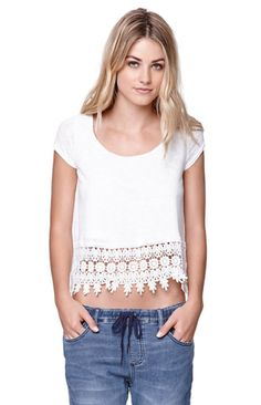LA Hearts Crochet Trim Swing Top I love this shirt I have it in pink❤️ Fashion Today, School Fashion, Dressed To The Nines, Well Dressed, Swing Top, Stylish Tops, Crochet Trim, Types Of Fashion Styles, Casual Wear