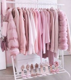 Pretty in pink Pink aesthetic rack Photo Rose, Pink Photo, Pretty In Pink, Rosa Style, Pink Wardrobe, Pink Closet, Wardrobe Clothing, Wardrobe Rack, Tout Rose
