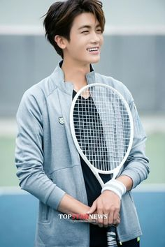 He cute but he also, still cute Hyung Sik Park Hyung Sik, Yongin, Asian Actors, Korean Actors, Korean Dramas, Strong Girls, Strong Women, The Heirs, K Pop