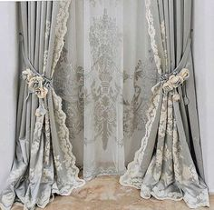 Window Drapes, Diy Curtains, Window Coverings, Vintage Bedroom Decor, Shabby Chi… Vorhang Made to Measure Classic Curtains, Elegant Curtains, Shabby Chic Curtains, Luxury Curtains, Home Curtains, Window Drapes, Curtain Designs For Bedroom, Design Bedroom, Vintage Bedroom Decor