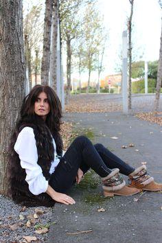 Cubrebotas con pasamanería y adornos étnicos #bohoboots #fashion #ethnic #bootcovers #be different #ethnicstyle