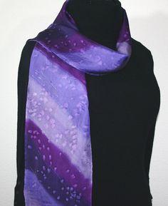 Bufanda de seda púrpura. Lavanda Mano SilkScarfCollection por Pintadas