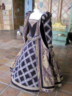 Moresca faire dress