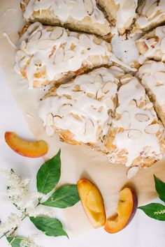 Peach Almond Scones — To Salt & See. These light and flavorful scones are perfect for breakfast or as an afternoon snack. Vegan Scones, Savory Scones, Breakfast Scones, Breakfast Recipes, Scone Recipes, Vegan Breakfast, Tea Recipes, Breakfast Ideas, Gourmet